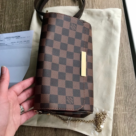386f5111e6b2 Louis Vuitton favorite PM
